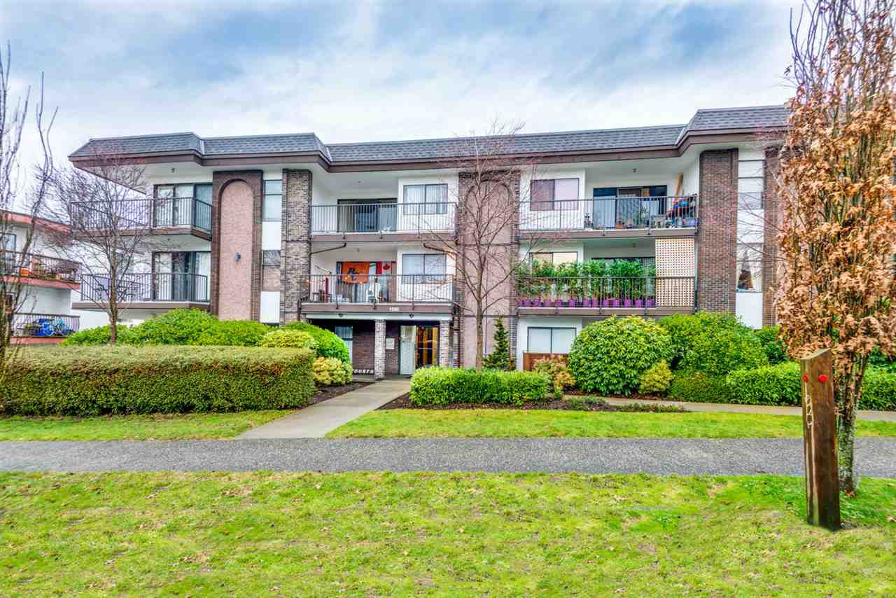 """Main Photo: 106 1585 E 4TH Avenue in Vancouver: Grandview Woodland Condo for sale in """"ALPINE PLACE"""" (Vancouver East)  : MLS®# R2345574"""