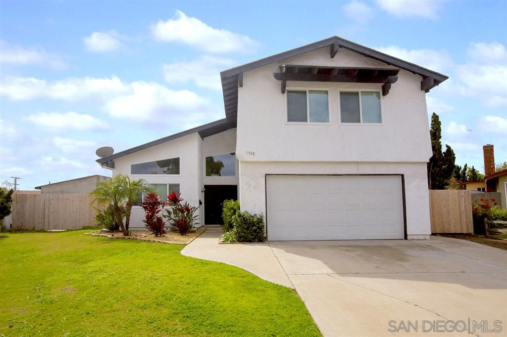 Main Photo: CHULA VISTA House for sale : 4 bedrooms : 1598 Woodlark Ct