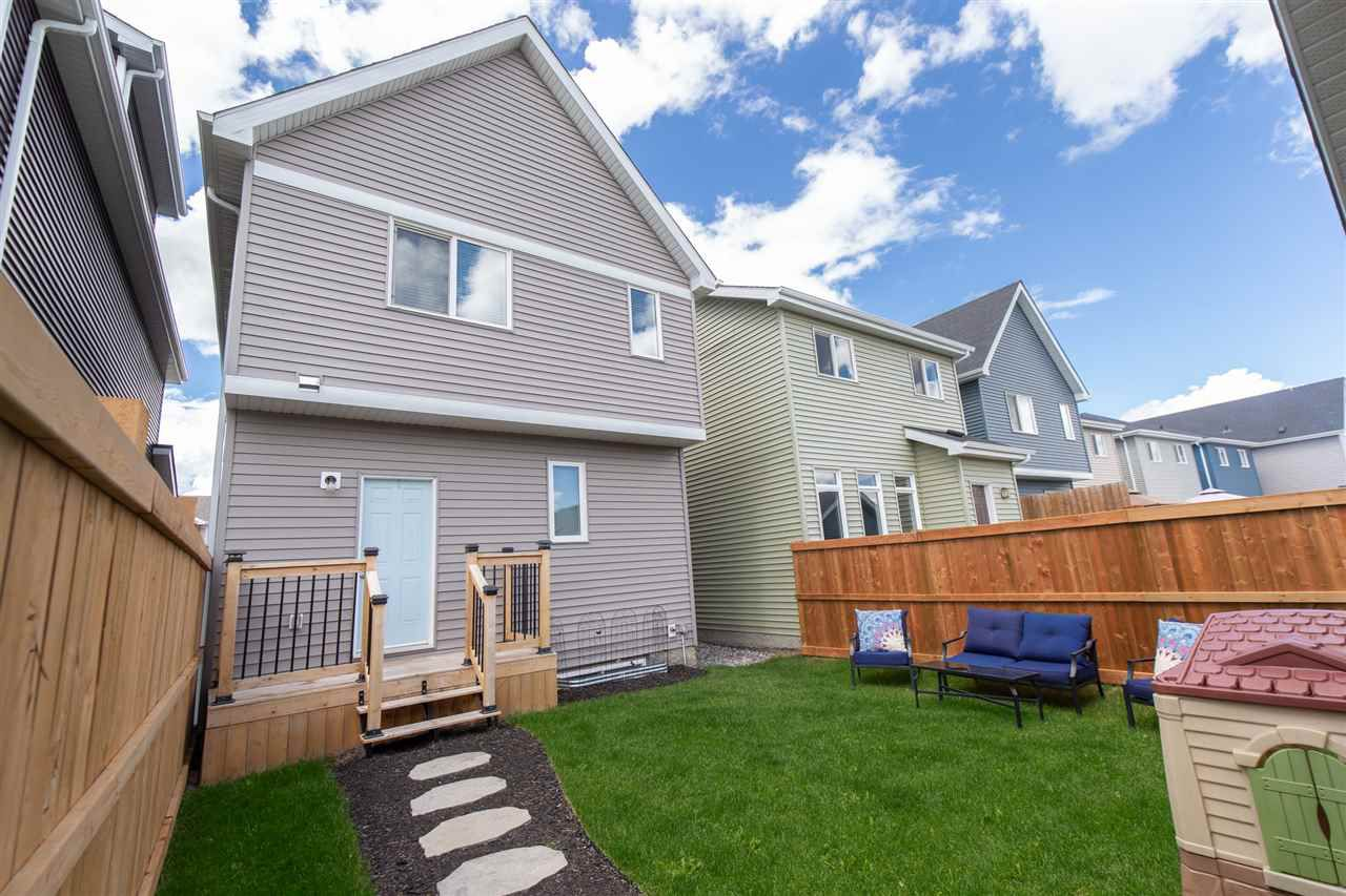 Photo 4: Photos: 1523 167 Street in Edmonton: Zone 56 House for sale : MLS®# E4154346