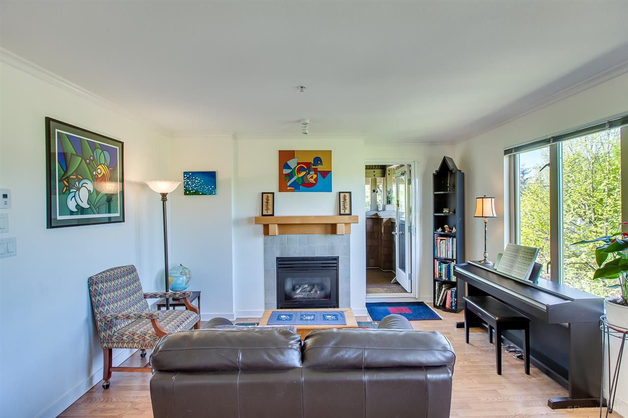 Main Photo: 407 38 SEVENTH Avenue in New Westminster: GlenBrooke North Condo for sale : MLS®# R2367474