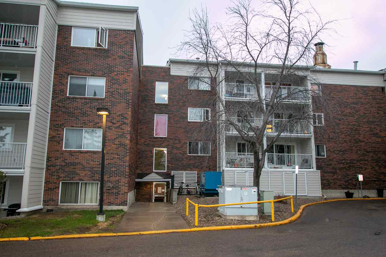Main Photo:  in Edmonton: Zone 16 Condo for sale : MLS®# E4158338