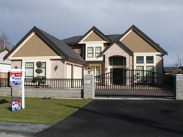 """Main Photo: 9911 PINEWELL in Richmond: Saunders House for sale in """"SAUNDERS"""" : MLS®# V882133"""