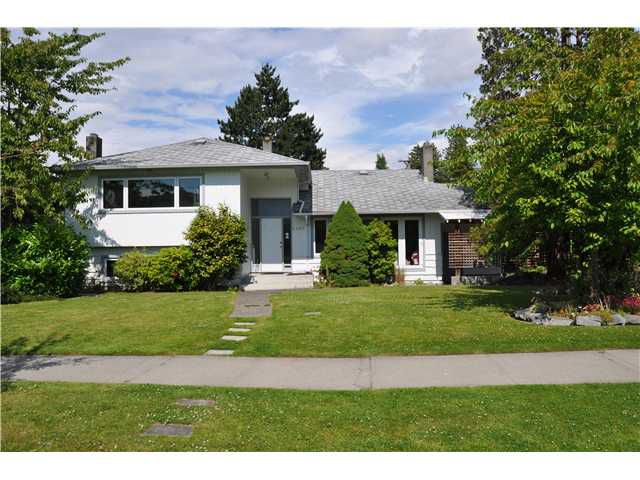 Main Photo: 4482 BRAKENRIDGE Street in Vancouver: Quilchena House for sale (Vancouver West)  : MLS®# V900741