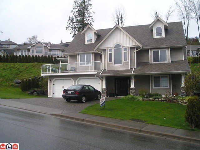"""Main Photo: 36065 MARSHALL Road in Abbotsford: Abbotsford East House for sale in """"The Bluffs"""" : MLS®# F1127749"""