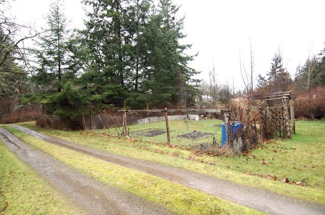 Photo 10: Photos: 2024 STEWART ROAD in NANOOSE BAY: House for sale : MLS®# 352119