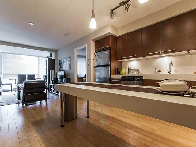 Main Photo: 803 2770 Sophia Street in Vancouver: Mount Pleasant VE Condo for sale (Vancouver East)  : MLS®# V1001129