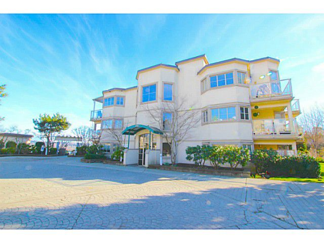 """Main Photo: 203 70 RICHMOND Street in New Westminster: Fraserview NW Condo for sale in """"GOVERNOR'S COURT"""" : MLS®# V1051672"""