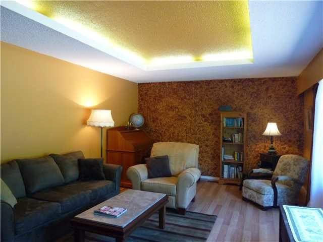 Photo 4: Photos: 5743 DOLPHIN Street in Sechelt: Sechelt District House for sale (Sunshine Coast)  : MLS®# V1130930