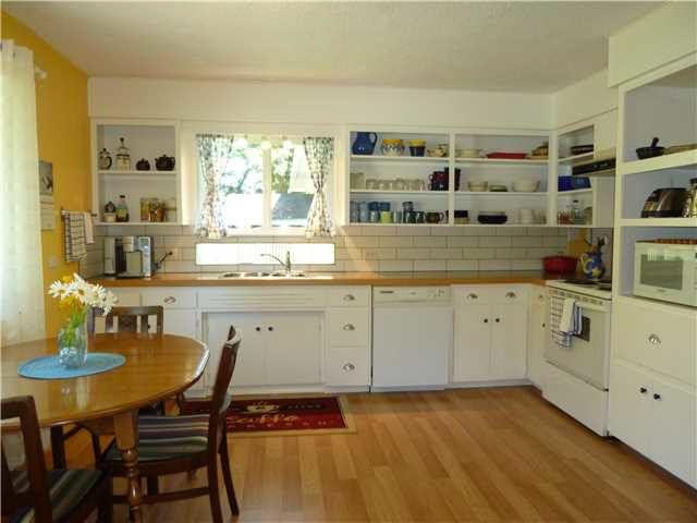 Photo 3: Photos: 5743 DOLPHIN Street in Sechelt: Sechelt District House for sale (Sunshine Coast)  : MLS®# V1130930