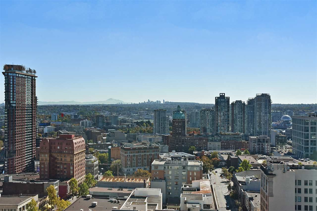 """Main Photo: 2409 438 SEYMOUR Street in Vancouver: Downtown VW Condo for sale in """"CONFERENCE PLAZA"""" (Vancouver West)  : MLS®# R2003999"""