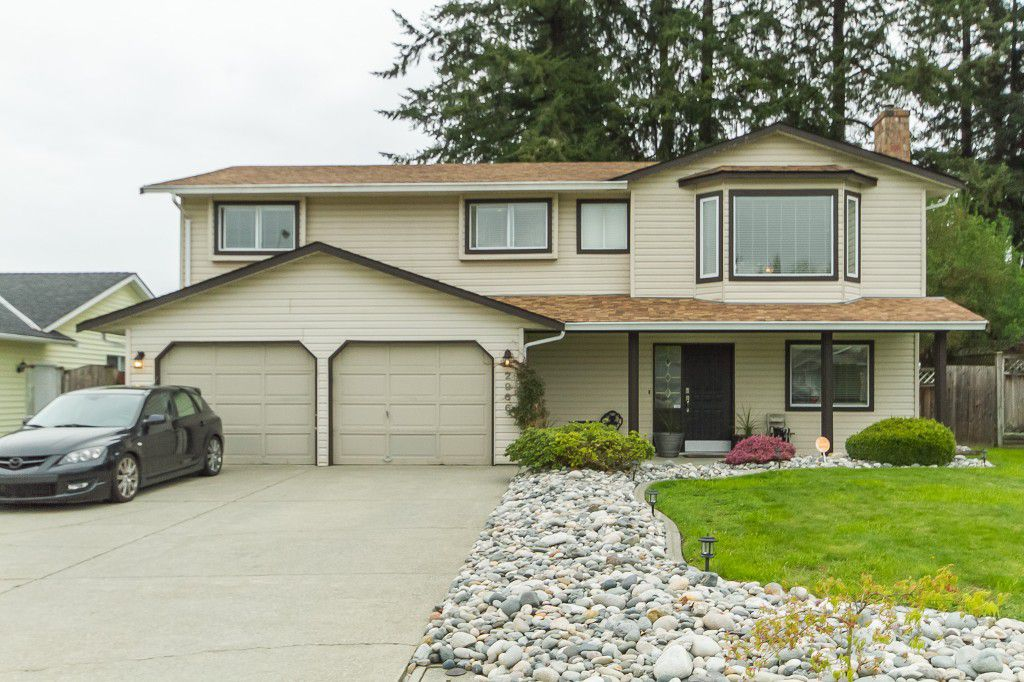 """Main Photo: 2966 WILLBAND Street in Abbotsford: Central Abbotsford House for sale in """"Terry Fox"""" : MLS®# R2055332"""