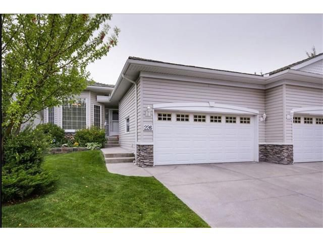 Main Photo: 226 ROCKY RIDGE Villa(s) NW in Calgary: Rocky Ridge House for sale : MLS®# C4078157