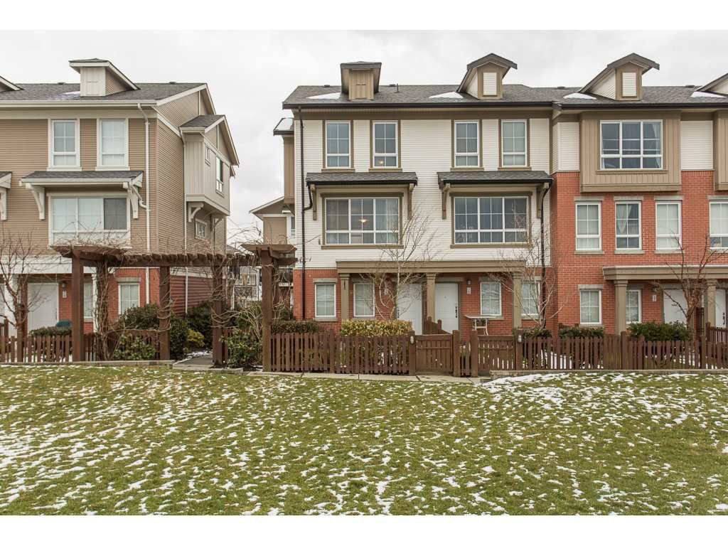 "Main Photo: 75 19505 68A Avenue in Surrey: Clayton Townhouse for sale in ""Clayton Rise"" (Cloverdale)  : MLS®# R2142590"