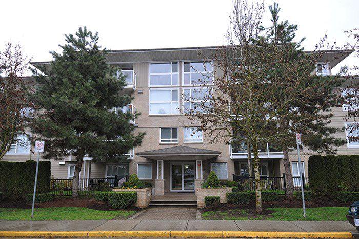 "Main Photo: 213 22255 122ND Avenue in Maple Ridge: West Central Condo for sale in ""MAGNOLIA GATE"" : MLS®# R2154676"