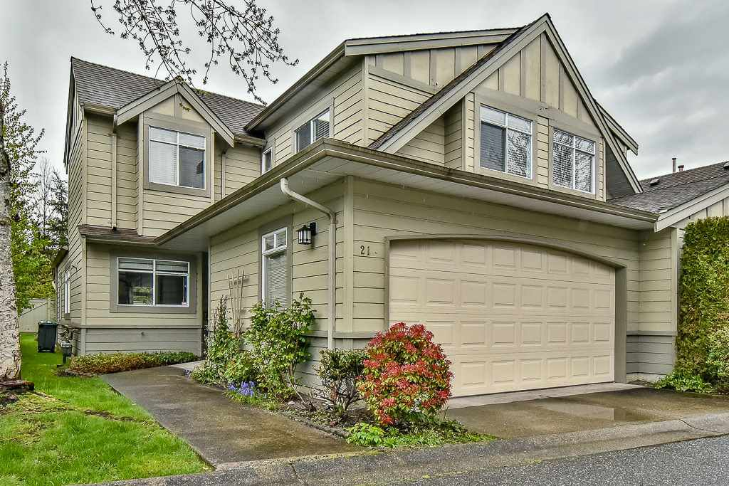 """Main Photo: 21 10238 155A Street in Surrey: Guildford Townhouse for sale in """"Chestnut Lane"""" (North Surrey)  : MLS®# R2161519"""