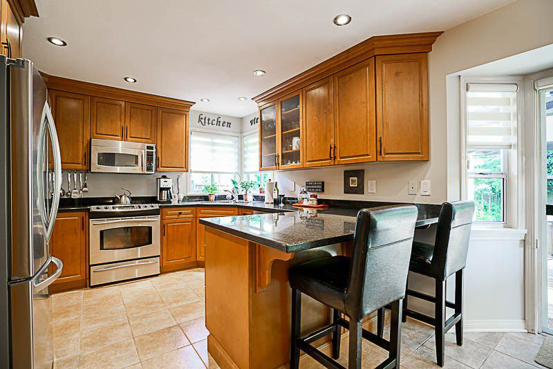"""Photo 5: Photos: 16320 108A Avenue in Surrey: Fraser Heights House for sale in """"Pine Ridge"""" (North Surrey)  : MLS®# R2170248"""
