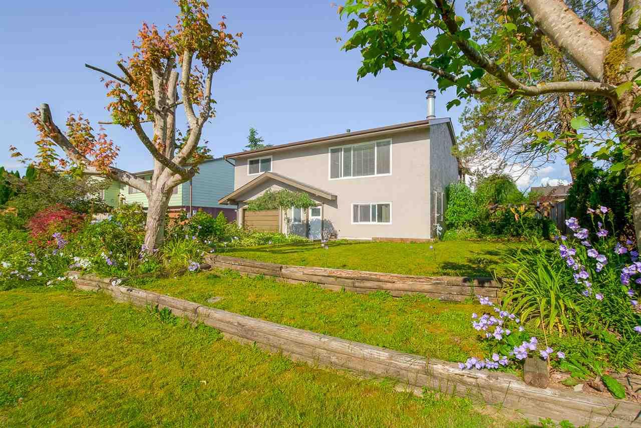 Main Photo: 12058 210 Street in Maple Ridge: Northwest Maple Ridge House for sale : MLS®# R2179738