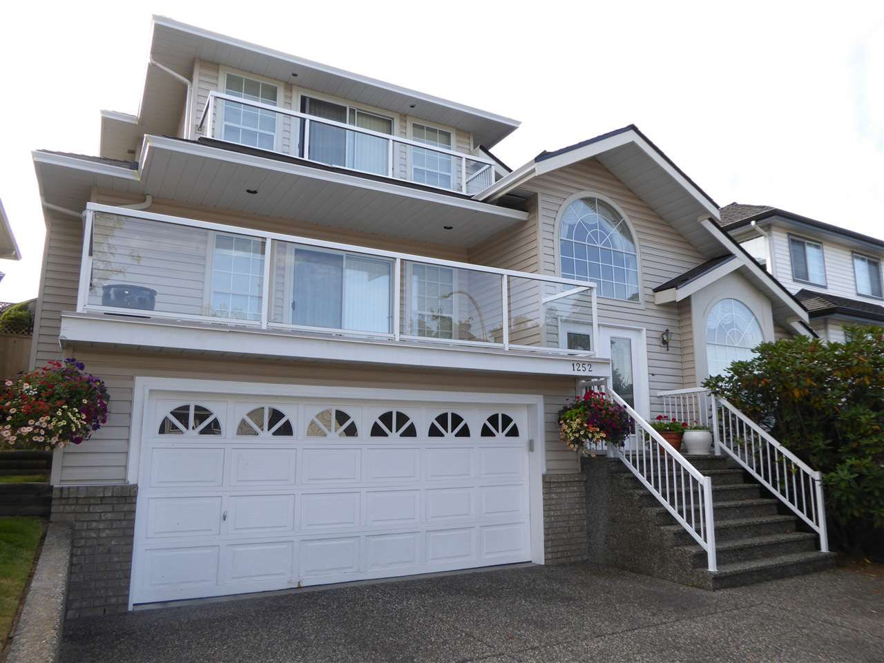 Main Photo: 1252 DEWAR Way in Port Coquitlam: Citadel PQ House for sale : MLS®# R2199639