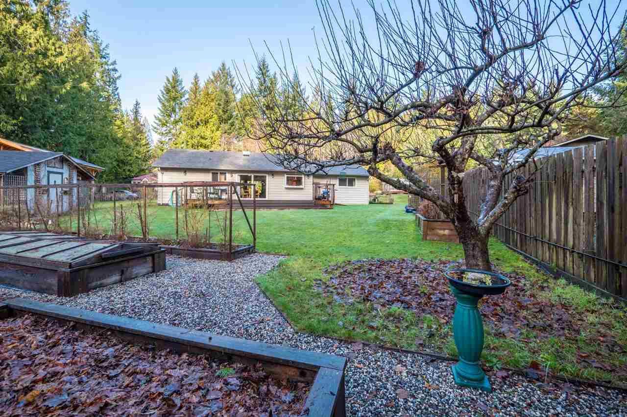 Photo 11: Photos: 3385 SPRUCE Road: Roberts Creek House for sale (Sunshine Coast)  : MLS®# R2230741