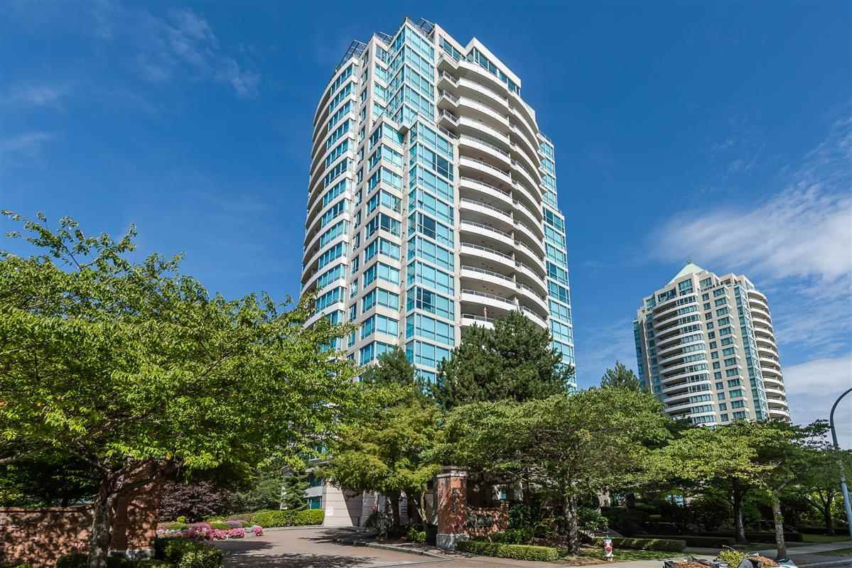 "Main Photo: 1205 6611 SOUTHOAKS Crescent in Burnaby: Highgate Condo for sale in ""GEMINI 1"" (Burnaby South)  : MLS®# R2301550"