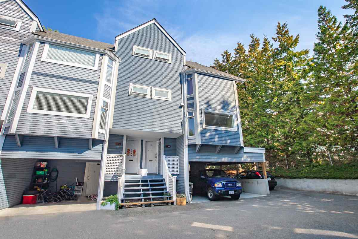 "Main Photo: 3129 BEAGLE Court in Vancouver: Champlain Heights Townhouse for sale in ""HUNTINGWOOD"" (Vancouver East)  : MLS®# R2304613"