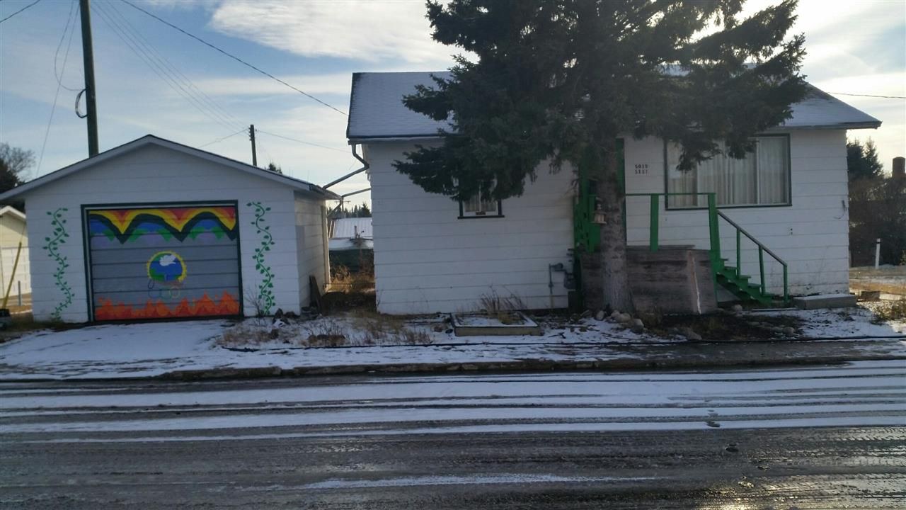 Main Photo: 5019 51 Street: Myrnam House for sale : MLS®# E4135357