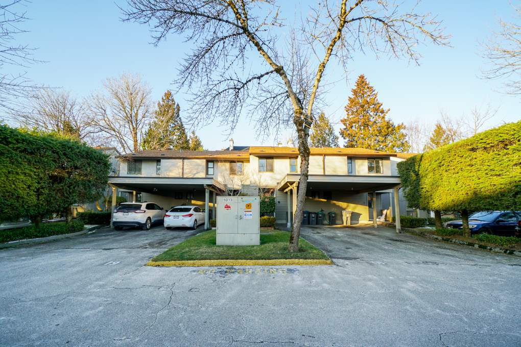 Main Photo: 9 9955 140 Street in Surrey: Whalley Townhouse for sale (North Surrey)  : MLS®# R2355056