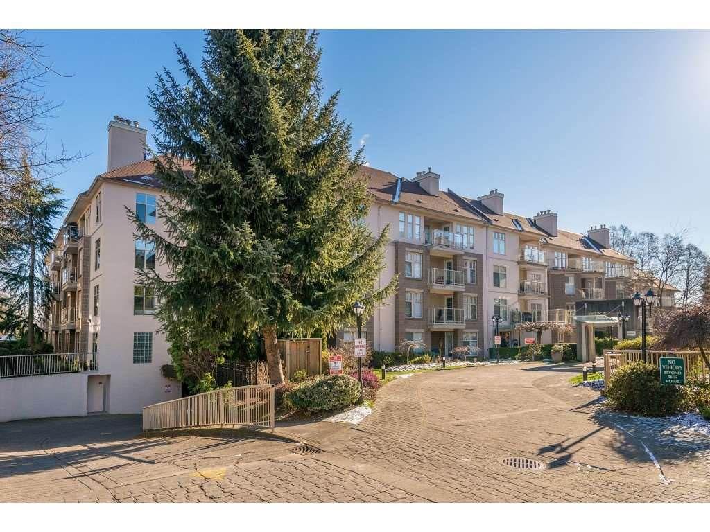 "Main Photo: 311 15350 19A Avenue in Surrey: King George Corridor Condo for sale in ""Stratford Gardens"" (South Surrey White Rock)  : MLS®# R2376375"
