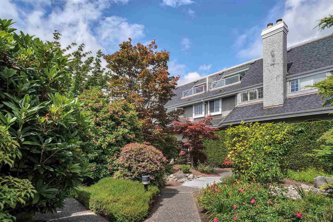 "Main Photo: 111 216 E 6TH Street in North Vancouver: Lower Lonsdale Townhouse for sale in ""Bentley Mews"" : MLS®# R2386363"
