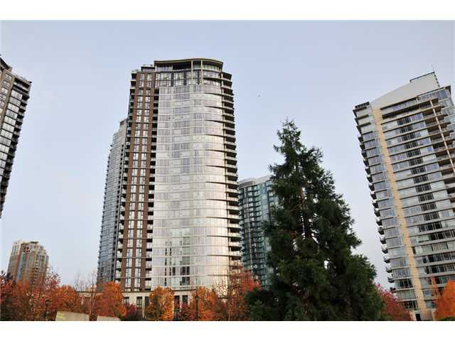 "Main Photo: # 2501 583 BEACH CR in Vancouver: Yaletown Condo for sale in ""TWO PARK WEST"" (Vancouver West)  : MLS®# V1034938"