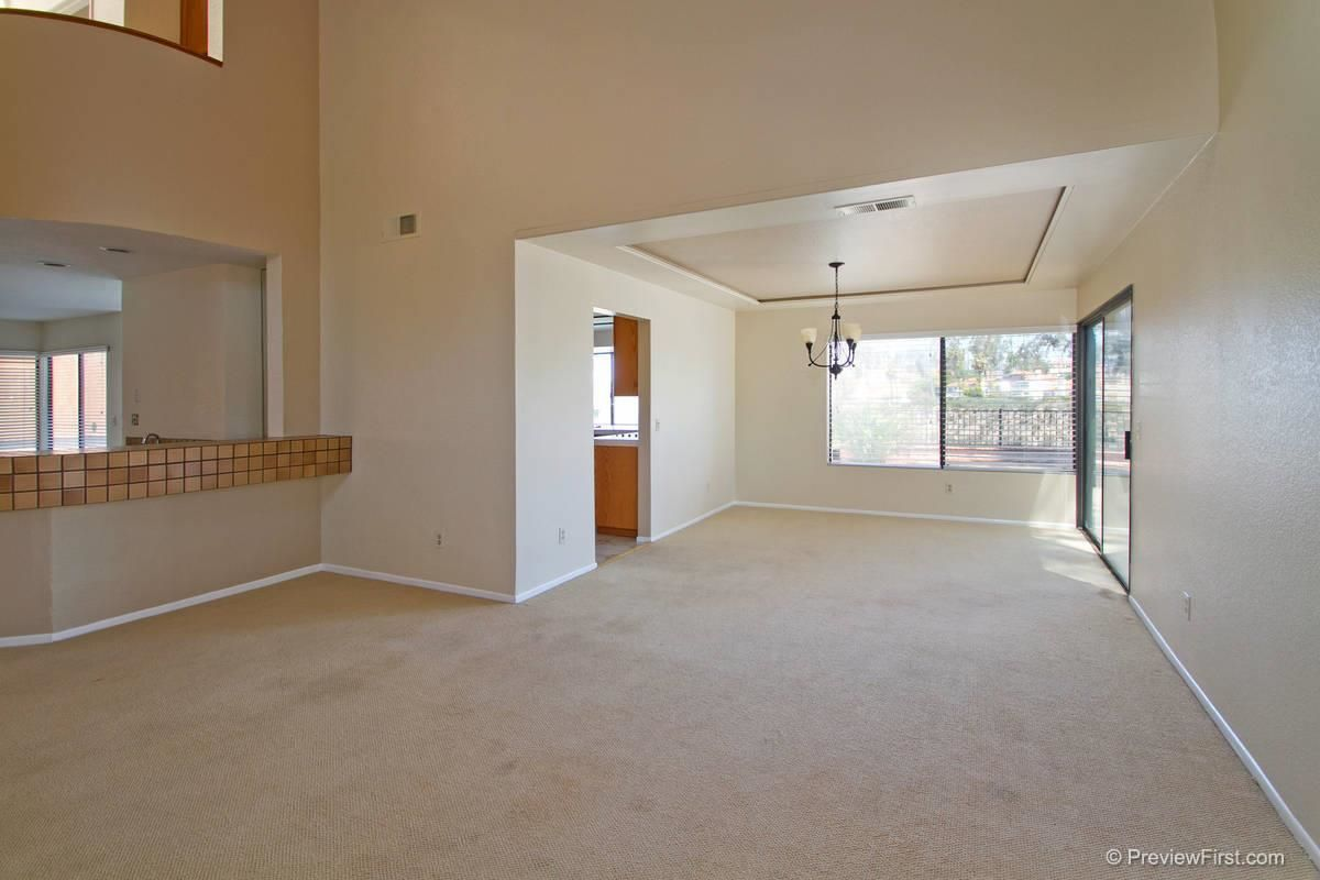 Photo 10: Photos: SCRIPPS RANCH House for sale : 4 bedrooms : 11680 Scripps Lake Drive in San Diego