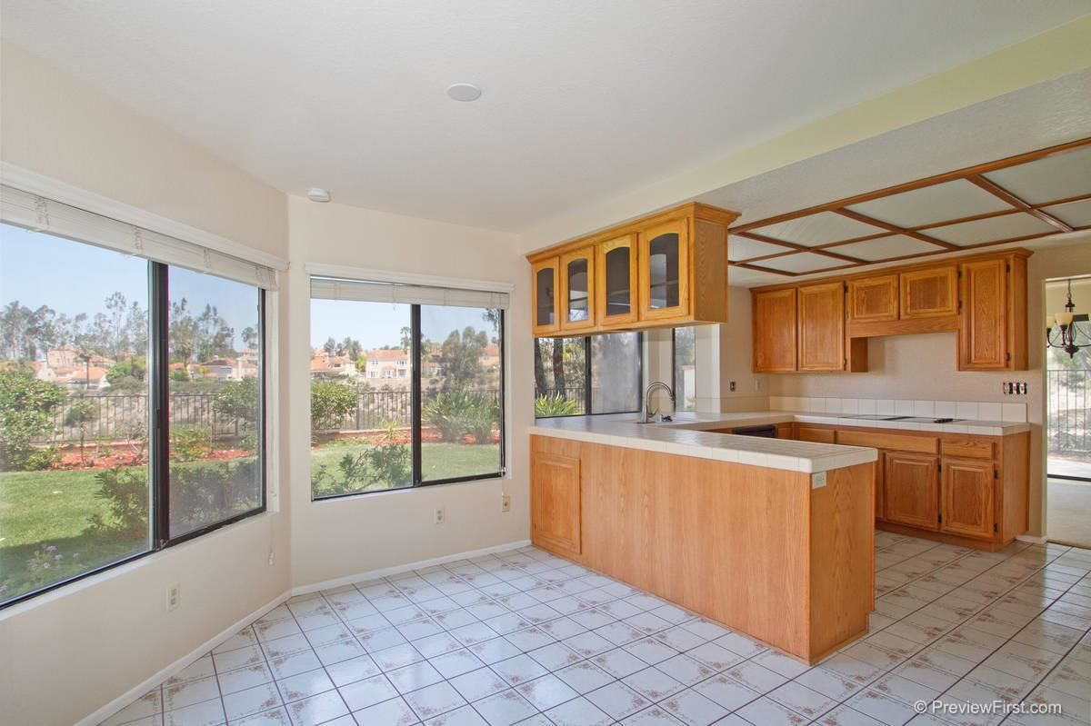 Photo 9: Photos: SCRIPPS RANCH House for sale : 4 bedrooms : 11680 Scripps Lake Drive in San Diego