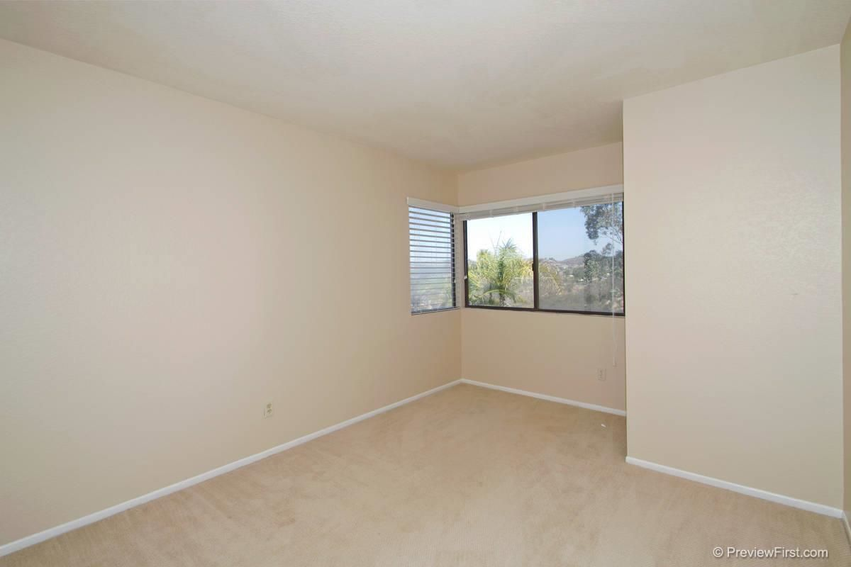 Photo 15: Photos: SCRIPPS RANCH House for sale : 4 bedrooms : 11680 Scripps Lake Drive in San Diego