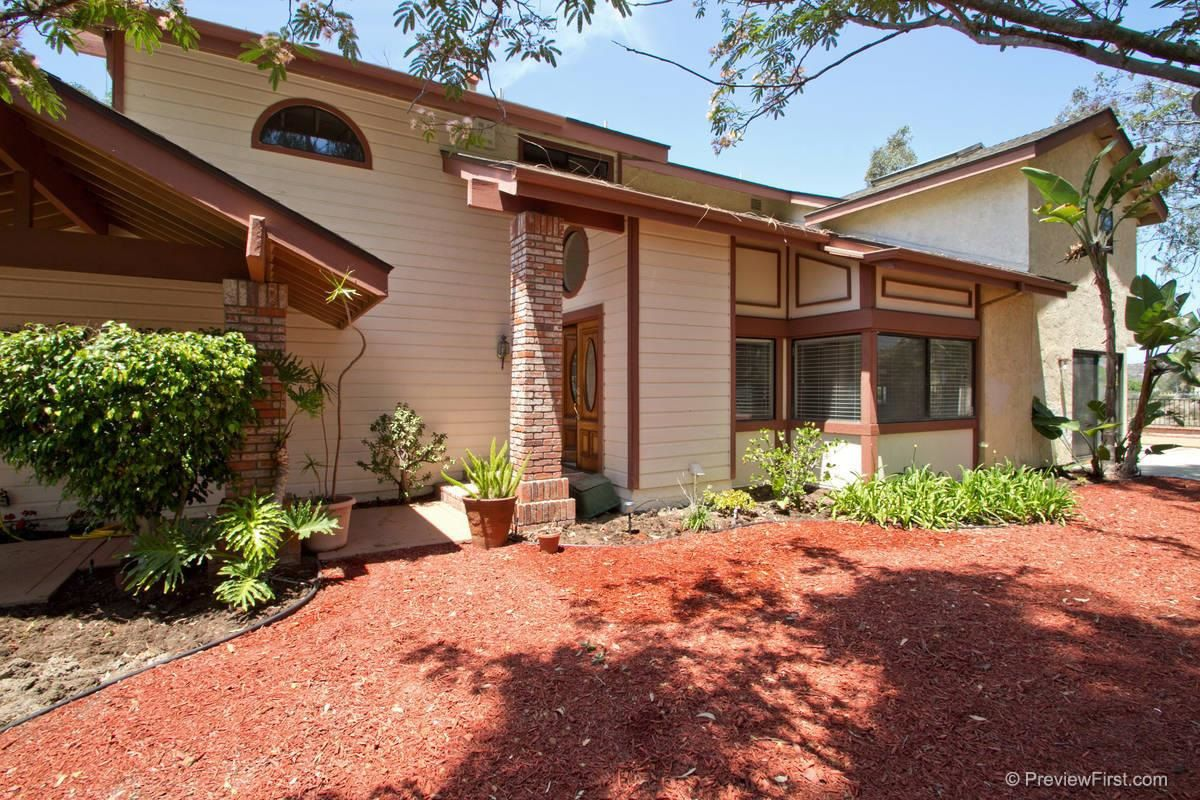 Photo 2: Photos: SCRIPPS RANCH House for sale : 4 bedrooms : 11680 Scripps Lake Drive in San Diego