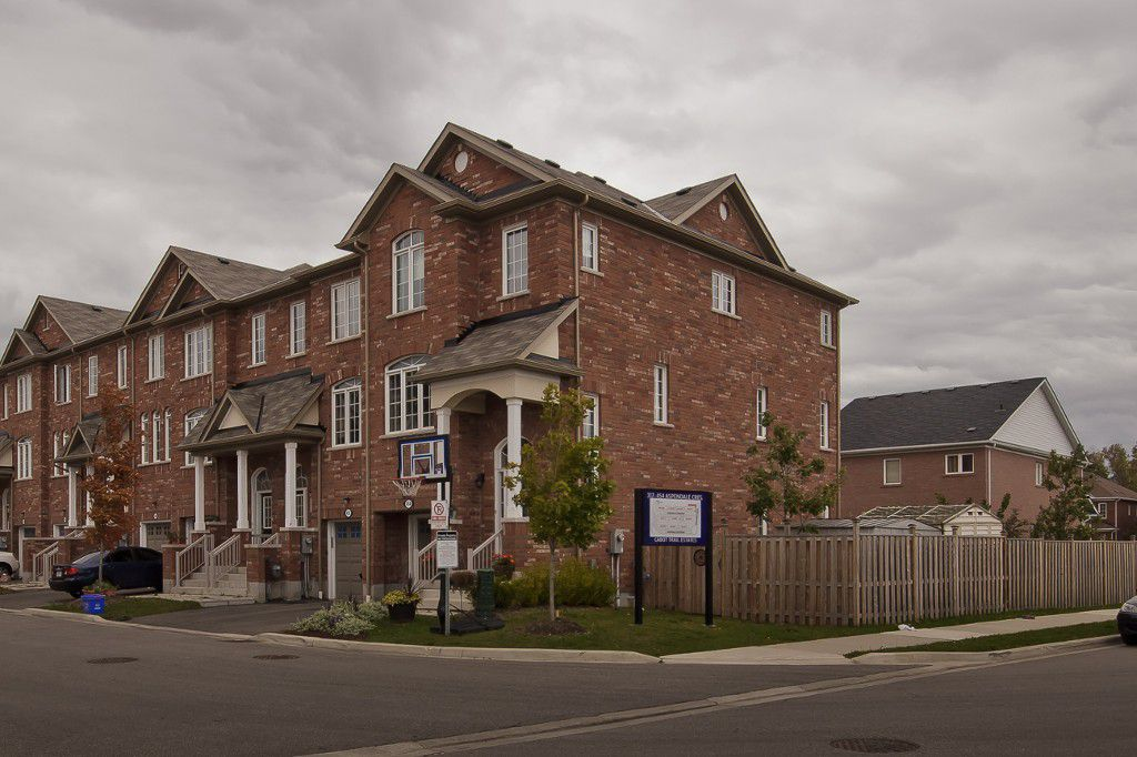 Main Photo: 454 Aspendale Crest in Mississauga: Meadowvale Village House (3-Storey) for sale : MLS®# W3039773