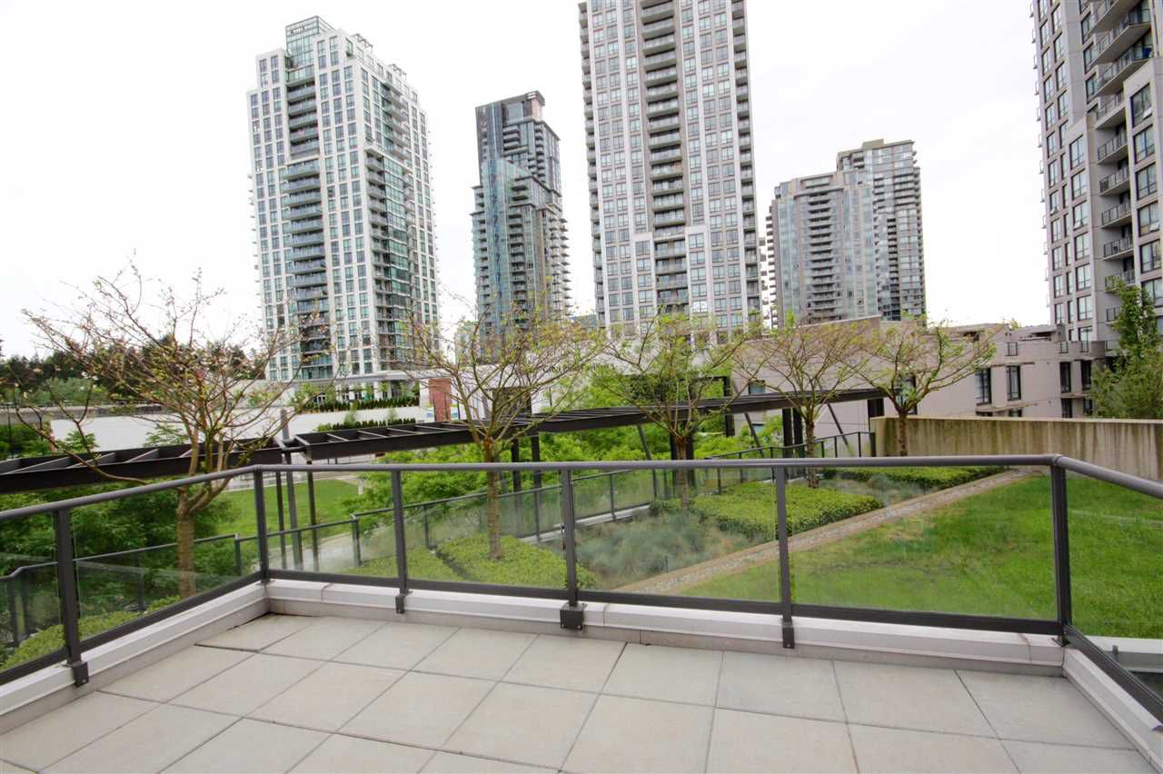 "Main Photo: 309 2982 BURLINGTON Drive in Coquitlam: North Coquitlam Condo for sale in ""Edgemont"" : MLS®# R2095897"