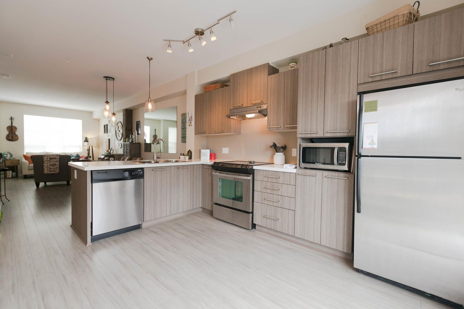 """Photo 14: Photos: 97 7938 209 Street in Langley: Willoughby Heights Townhouse for sale in """"Red Maple Park"""" : MLS®# R2260950"""