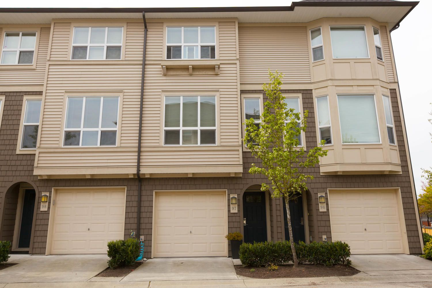 """Photo 43: Photos: 97 7938 209 Street in Langley: Willoughby Heights Townhouse for sale in """"Red Maple Park"""" : MLS®# R2260950"""