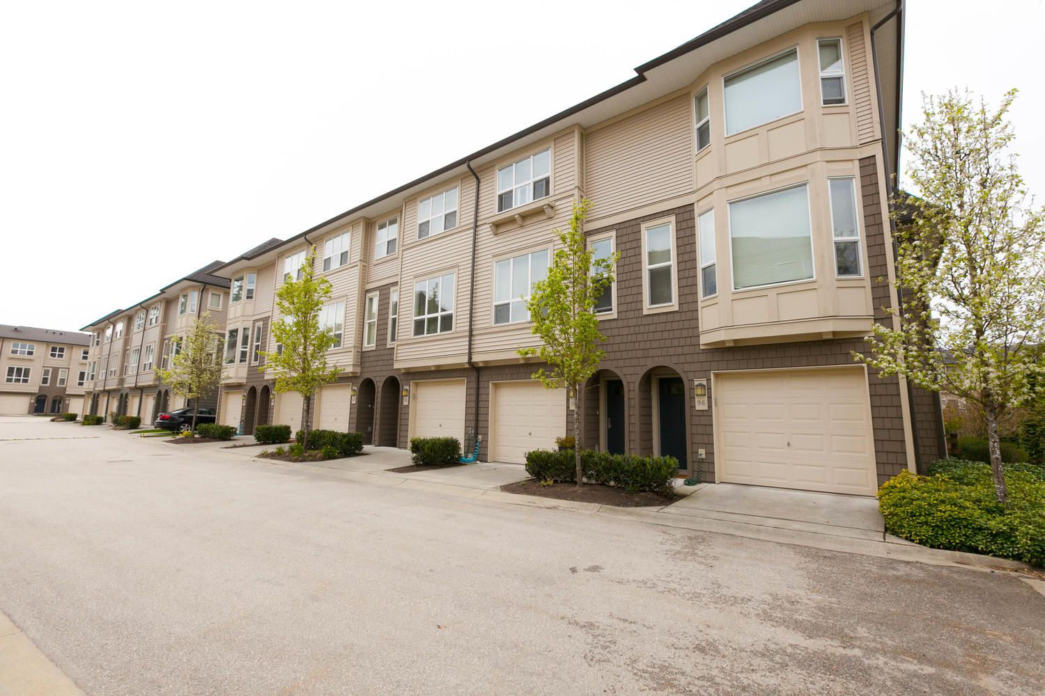 """Photo 41: Photos: 97 7938 209 Street in Langley: Willoughby Heights Townhouse for sale in """"Red Maple Park"""" : MLS®# R2260950"""