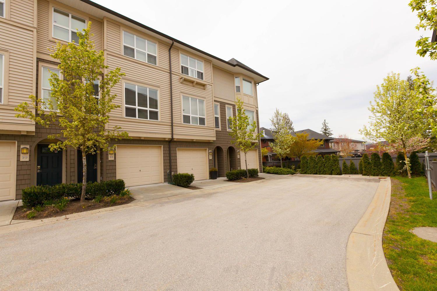 """Photo 42: Photos: 97 7938 209 Street in Langley: Willoughby Heights Townhouse for sale in """"Red Maple Park"""" : MLS®# R2260950"""