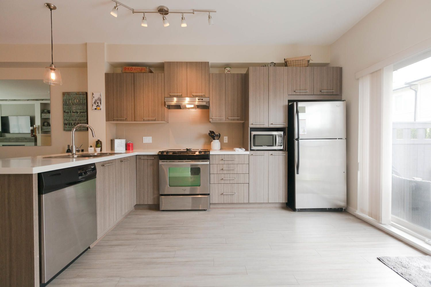 """Photo 16: Photos: 97 7938 209 Street in Langley: Willoughby Heights Townhouse for sale in """"Red Maple Park"""" : MLS®# R2260950"""