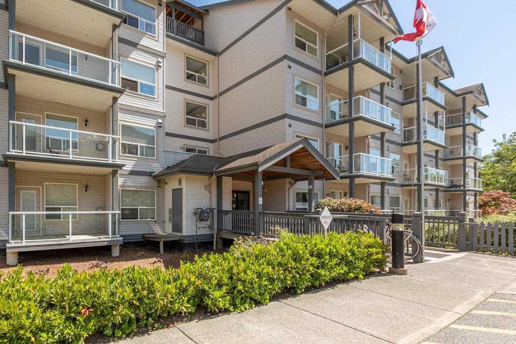 """Main Photo: 302 1203 PEMBERTON Avenue in Squamish: Downtown SQ Condo for sale in """"Eagle Grove"""" : MLS®# R2324945"""