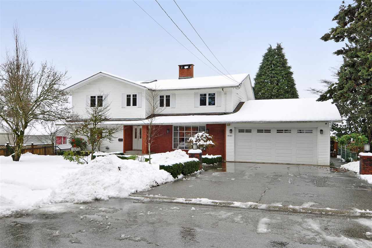 """Main Photo: 3085 STARLIGHT Way in Coquitlam: Ranch Park House for sale in """"Ranch Park"""" : MLS®# R2341371"""