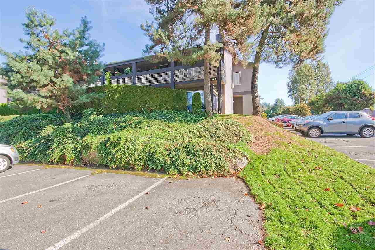 """Main Photo: 1623 34909 OLD YALE Road in Abbotsford: Abbotsford East Townhouse for sale in """"The Gardens"""" : MLS®# R2008610"""