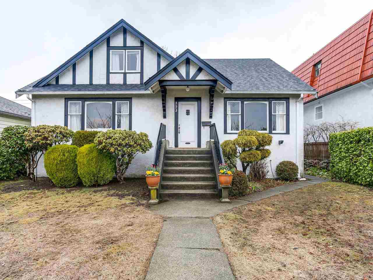 Main Photo: 2475 W 16TH Avenue in Vancouver: Kitsilano House for sale (Vancouver West)  : MLS®# R2143783