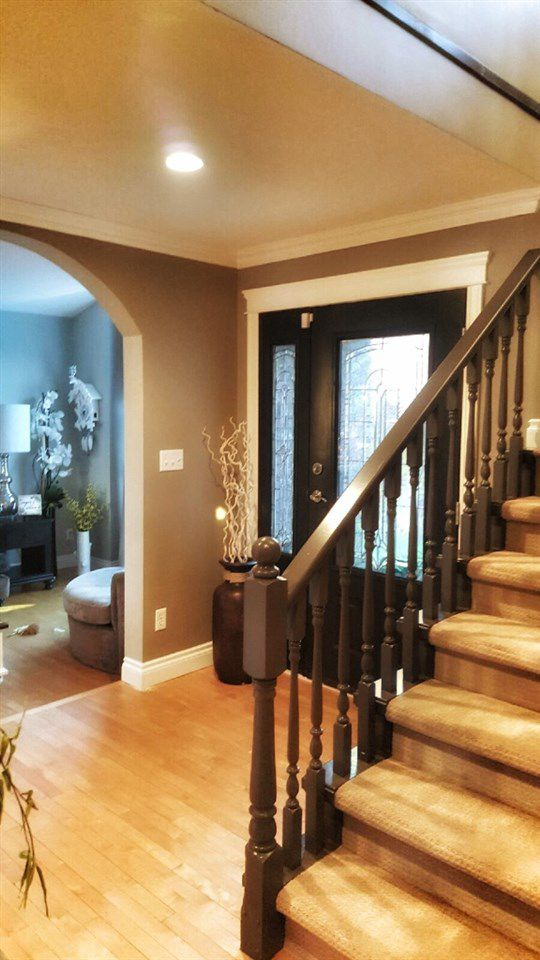 Photo 3: Photos: 3555 Picton St Upper in Abbotsford: Abbotsford East House for rent