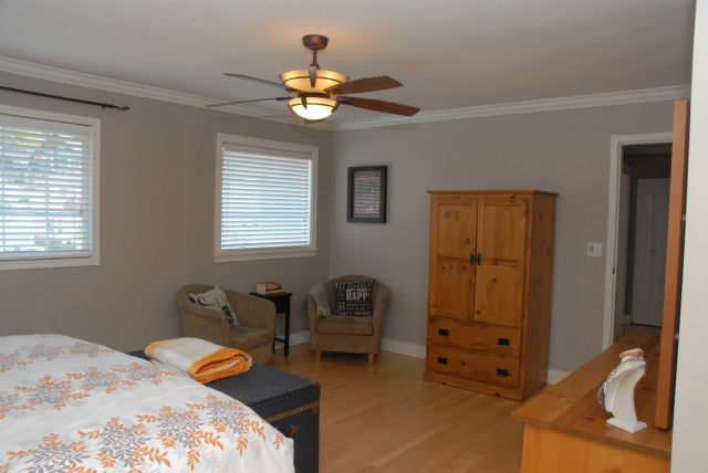 Photo 8: Photos: 3555 Picton St Upper in Abbotsford: Abbotsford East House for rent