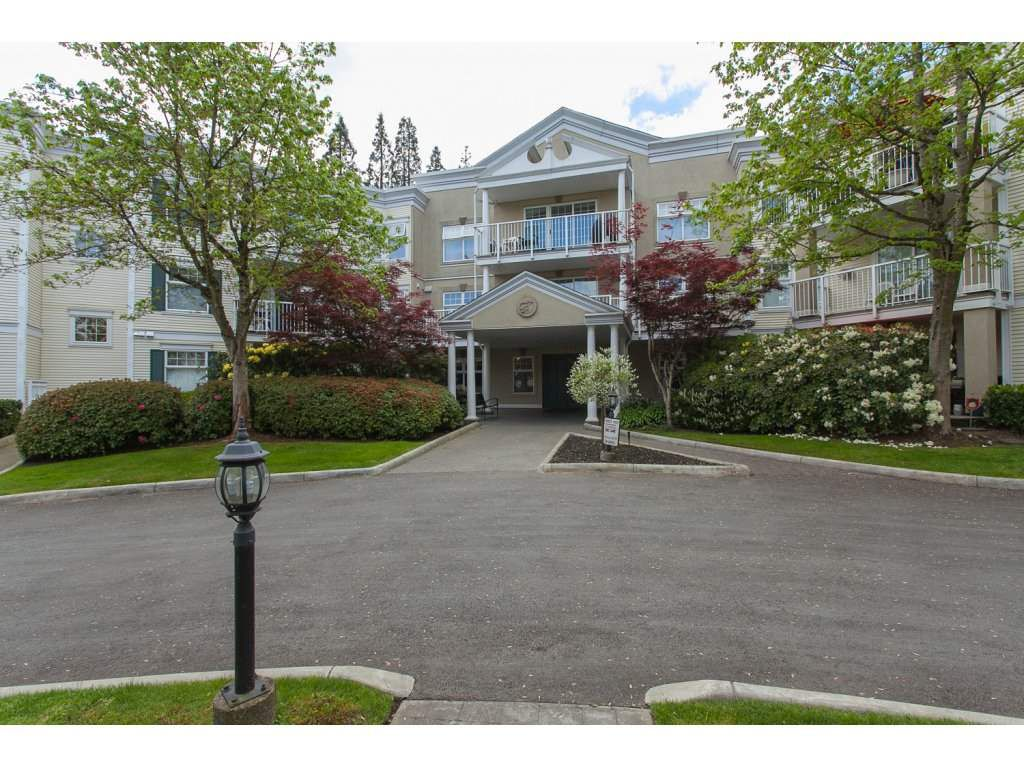 "Main Photo: 304 16065 83 Avenue in Surrey: Fleetwood Tynehead Condo for sale in ""Faifield House"" : MLS®# R2236565"