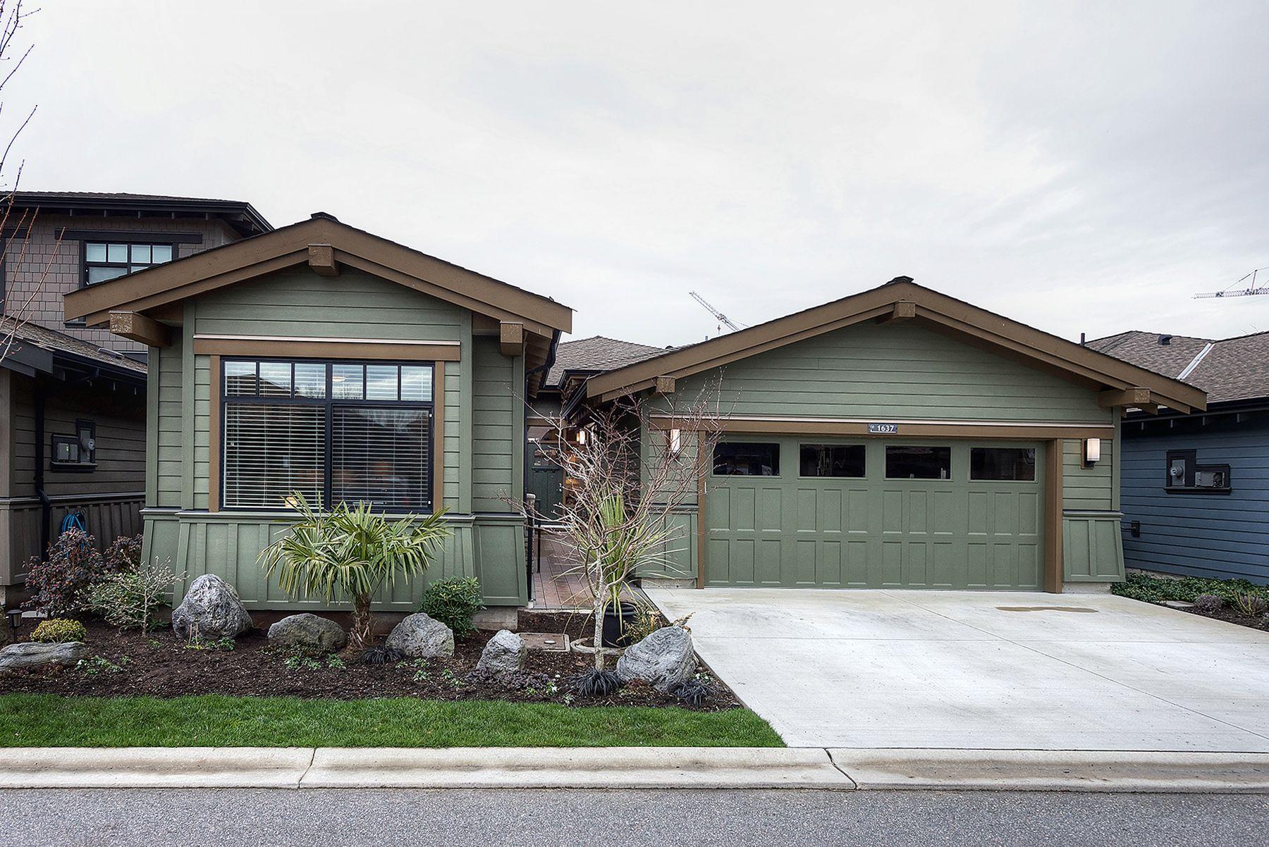 "Main Photo: 1637 FIR SPRINGS Lane in Delta: Cliff Drive House for sale in ""TSAWWASSEN SPRINGS"" (Tsawwassen)  : MLS®# R2247377"