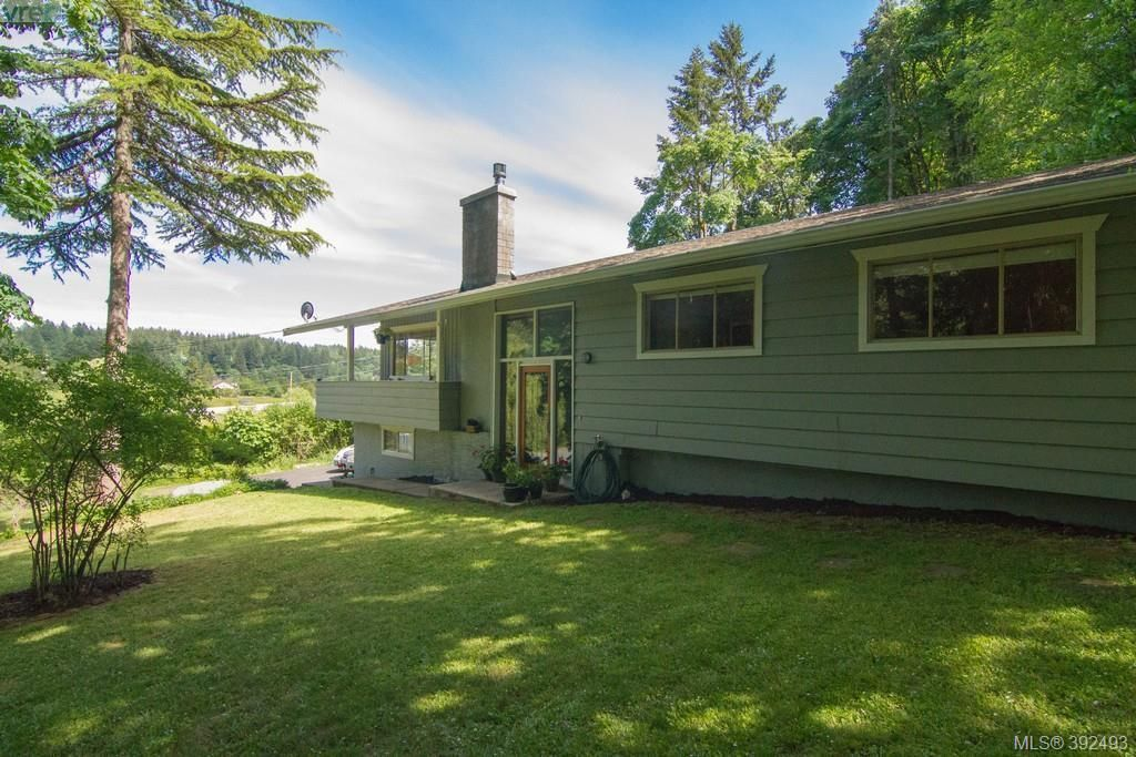 Main Photo: 61 Durrance Road in VICTORIA: SW West Saanich Single Family Detached for sale (Saanich West)  : MLS®# 392493